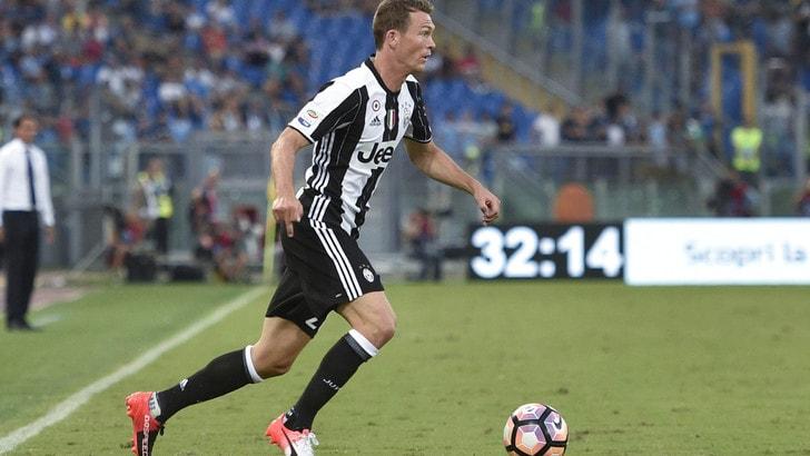 Lichtsteiner: «Darò tutto per la Juventus fino alla scadenza del mio contratto»