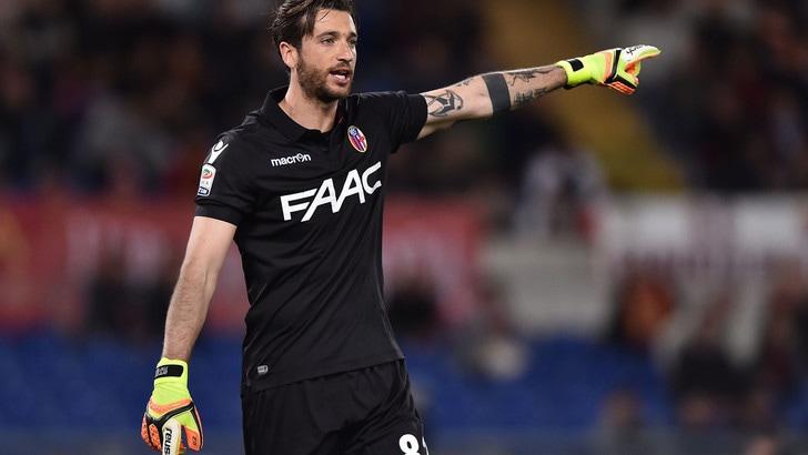 Serie A Bologna-Mirante, filtra ottimismo. Gomis, frattura alla mano