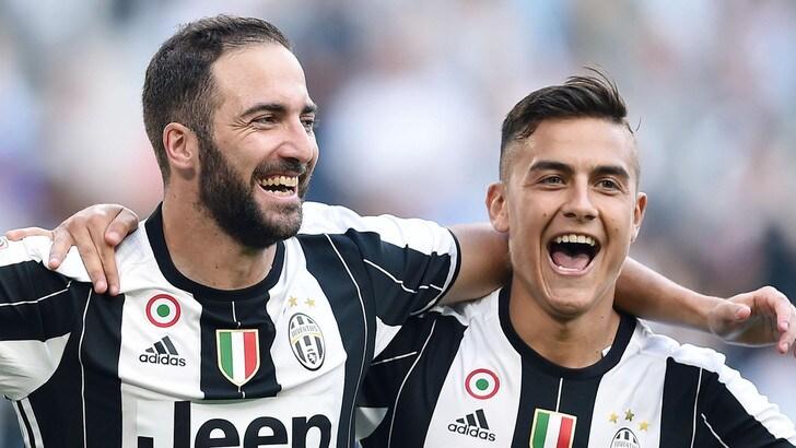 Juventus strepitosa: doppio Higuain più magico Pjanic, Sassuolo ko