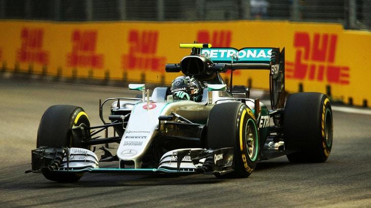 F1, Gp Singapore: Rosberg davanti a Raikkonen nelle seconde libere
