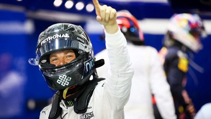 F1 Singapore: vince Rosberg, Raikkonen quarto. Vettel, rimonta super!