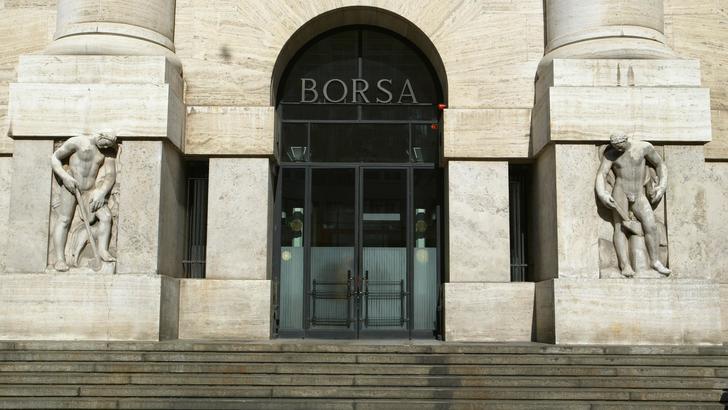 Borsa: Milano apre su parità, -0,01%