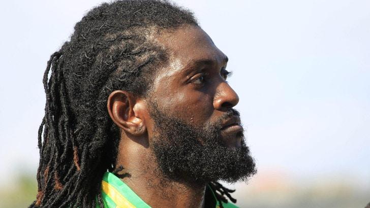 Calciomercato, Adebayor: niente Lione per colpa di alcool e sigarette