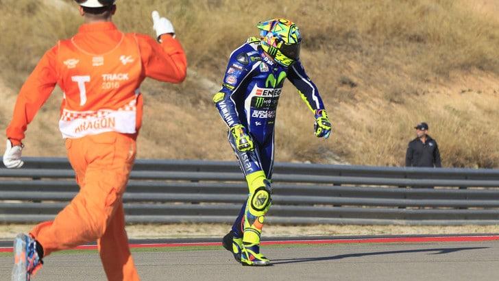 MotoGp Aragon, Rossi: «Dopo caduta ok, ma acciaccato: peccato il sesto posto»