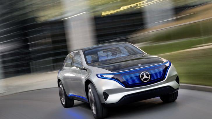 Mercedes elettrizza Parigi con il Suv green di domani