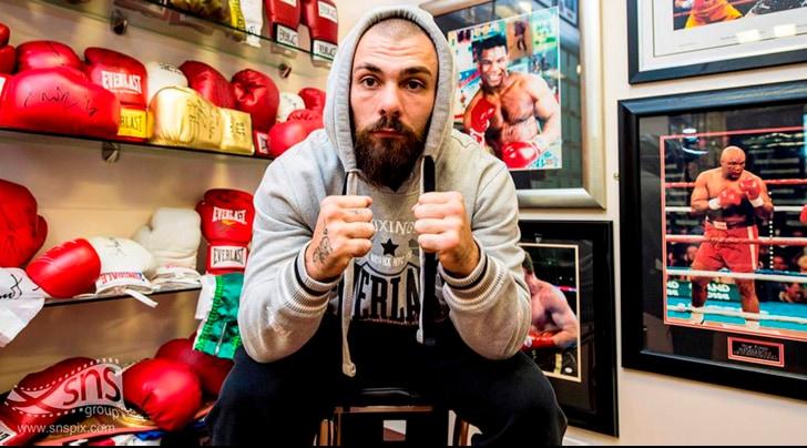Boxe, tragedia sul ring: pugile scozzese muore dopo un incontro