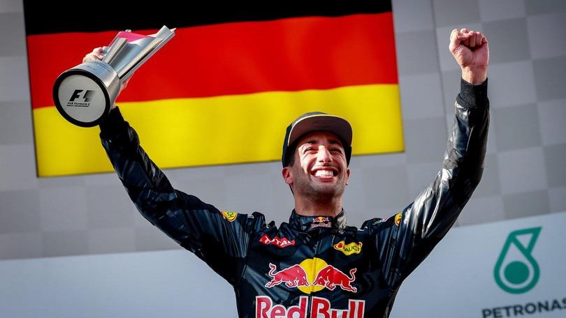 F1 Malesia: vittoria per Ricciardo, ritiro per Vettel e Hamilton