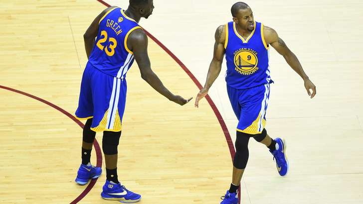 Basket, Nba: Golden State, riscatto a 1,75