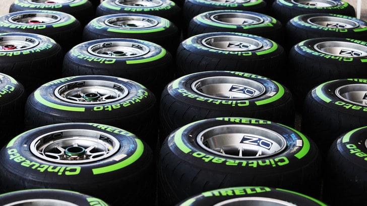 F1, Rosberg in pista con le gomme Pirelli 2017