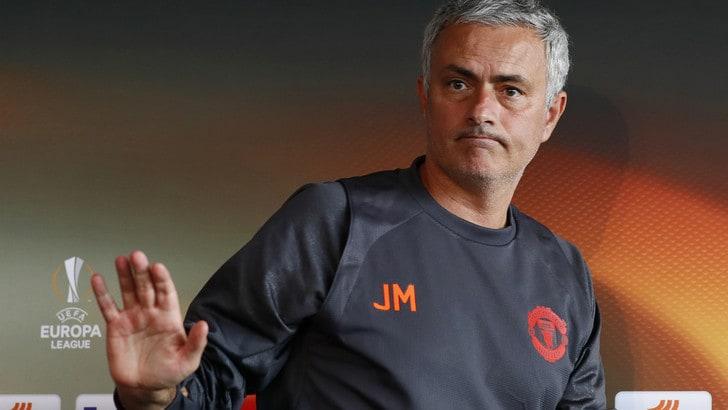 Manchester United, Mourinho fa peggio di Van Gaal dopo otto turni