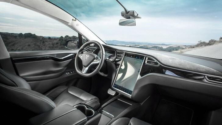 Tesla, ecco l'Autopilot di seconda generazione