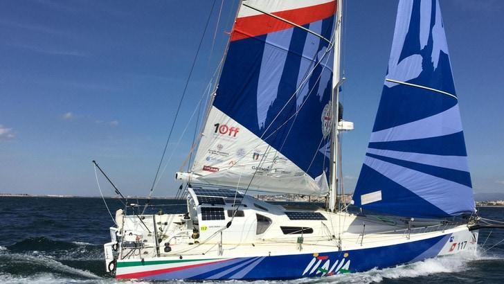 Vela: Gaetano Mura naviga verso l'Equatore a 8-10 nodi