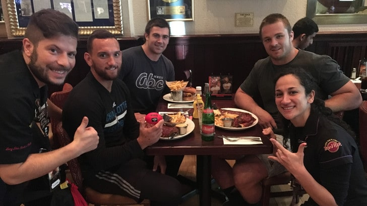 Rugby, sosta all'Hard Rock Cafe Roma per gli All Blacks