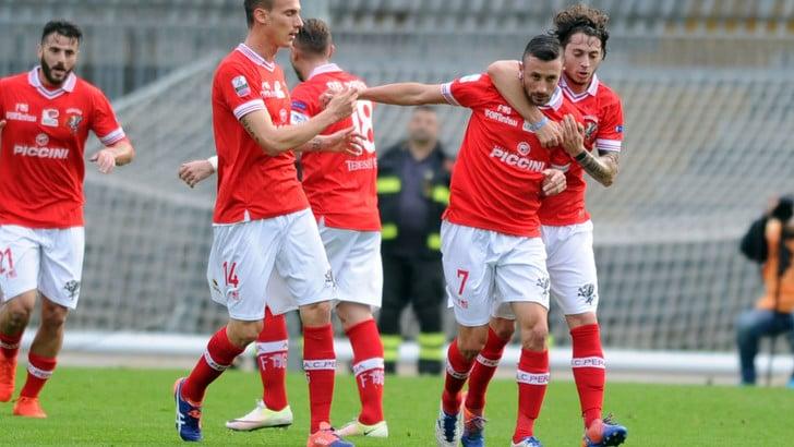 Serie B, Ascoli-Perugia 2-2: Dezi e Guberti non bastano