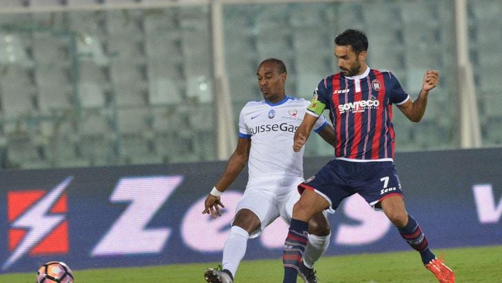 Crotone-Sampdoria, scoppia la bufera. Cordaz: