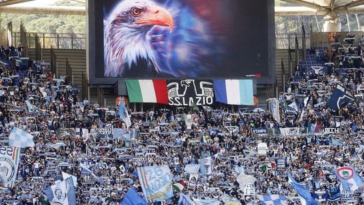 Lazio, carica prima del derby. In 3mila a Formello