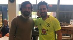 Chelsea, Pirlo fa visita a Conte: che selfie con Fabregas!