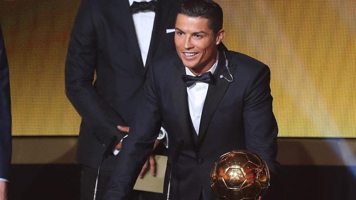 Trionfo Cristiano Ronaldo, il Pallone d'oro 2016 è suo