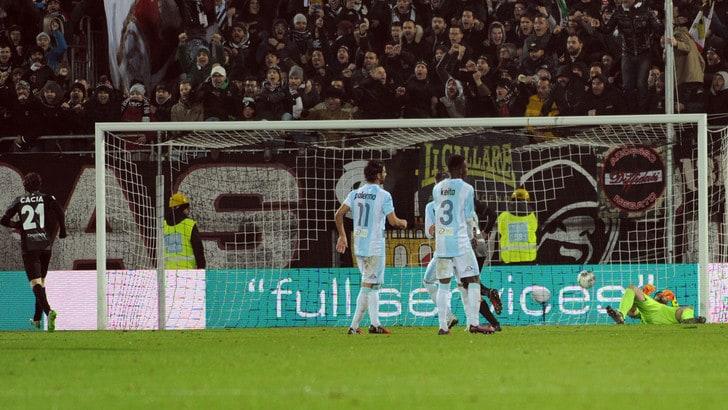 Serie B, Ascoli-Entella 2-1: Favilli in extremis