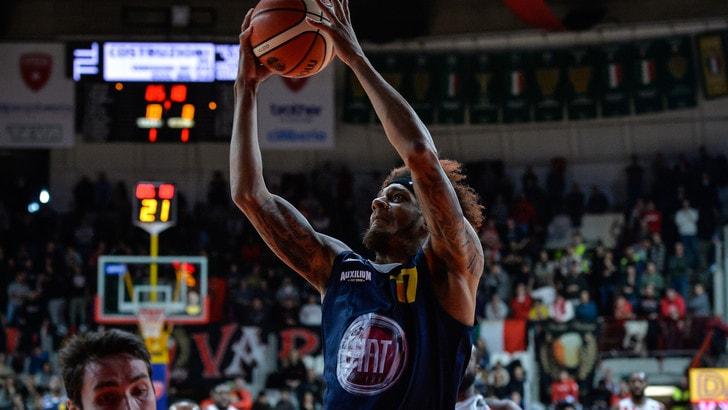Basket Serie A, impresa Fiat, vince anche Venezia