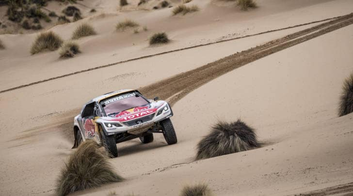 Dakar day7: nelle auto Peterhansel vola, nelle moto la spunta Brabec
