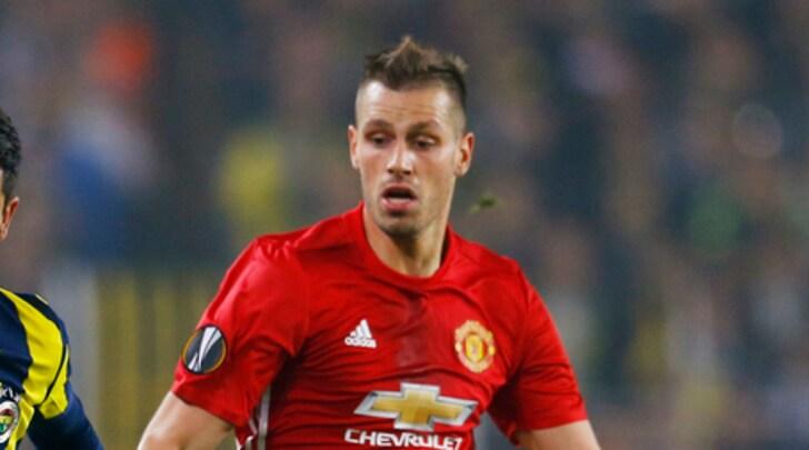 Everton, preso Schneiderlin. Allo United oltre 25 milioni di euro