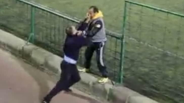 Canarie rissa incredibile tra due padri in una partita for Sono due in una partita di calcio