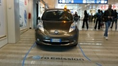 La Nissan Leaf diventa uno... shuttle