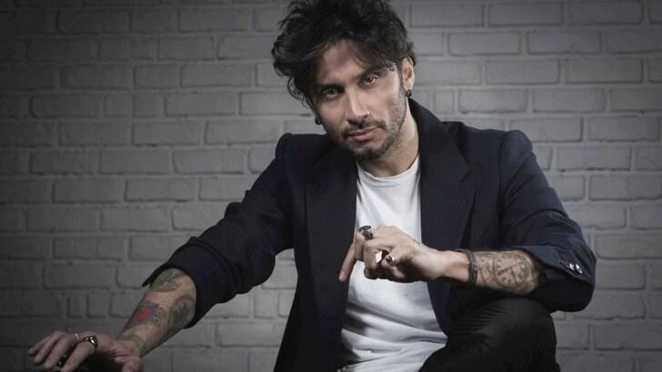 """Fabrizio Moro, in arrivo il nuovo album """"Pace"""""""
