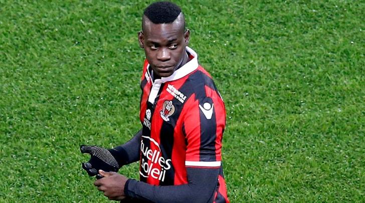 Balotelli: «Insultato per tutta la partita. Il razzismo è legale in Francia?»