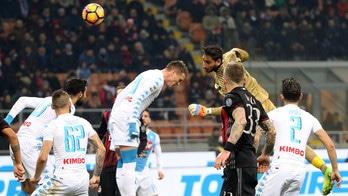 Milan-Napoli, Donnarumma sfiora il gol di testa