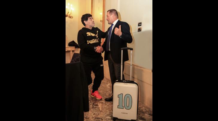 Carpisa. Una valigia tattoo per Maradona