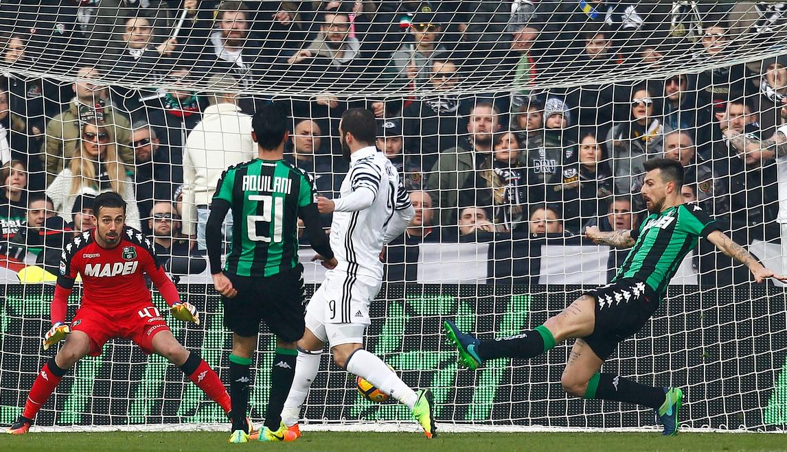 Sassuolo-Juventus 0-2: in rete Higuain e Khedira