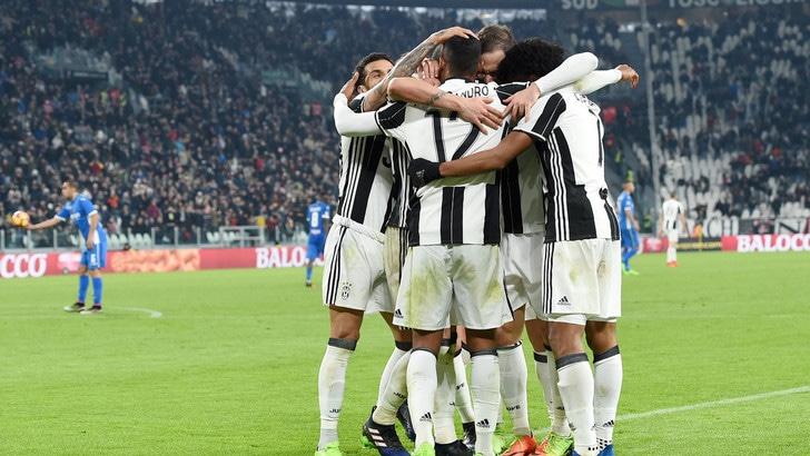 Juventus, cambiano gli uomini, non il risultato: 2-0. E Alex Sandro balla a +10