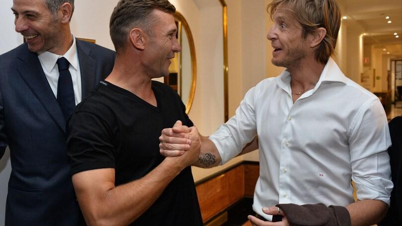 Tifosi del Milan contro le telecronache Ambrosini