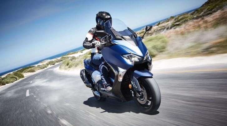 Yamaha TMAX: lo scooter che si fa sempre più moto