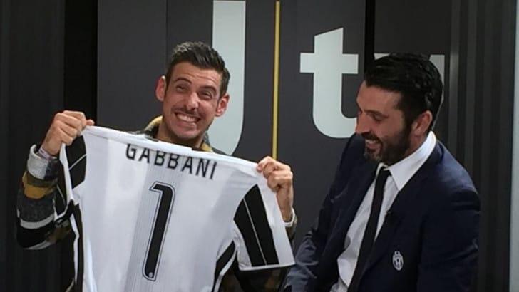 Juventus karma, Buffon e Gabbani insieme: «Concittadini e grandi ballerini»