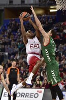 Basket Eurolega, Milano cade a Vitoria: è ultima