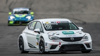 Opel Astra TCR: foto