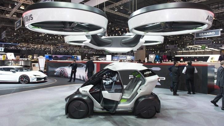Nel 2030 arriva l'auto volante, che guiderà da sola