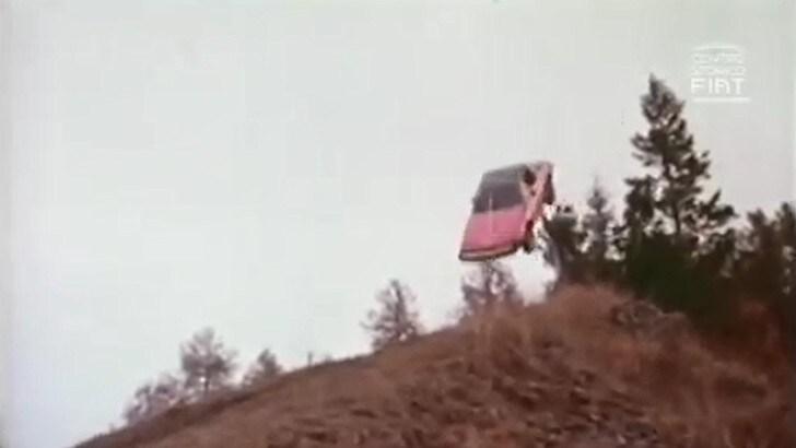 """La leggenda dello stunt-man che """"volava"""" solo con le Fiat"""