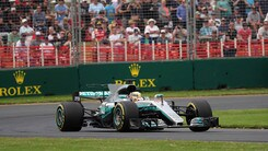 F1, Gp d'Australia: Hamilton davanti, rimonta Vettel a 6,00