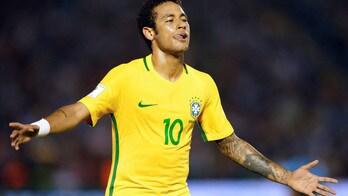 Calciomercato, Mou folgorato da Neymar: i bookie danno l'ok allo United