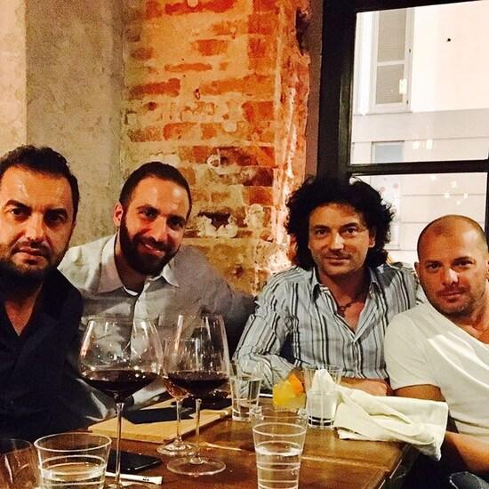 Higuain a cena prima di napoli juventus tuttosport - Gigi cucina urbana ...