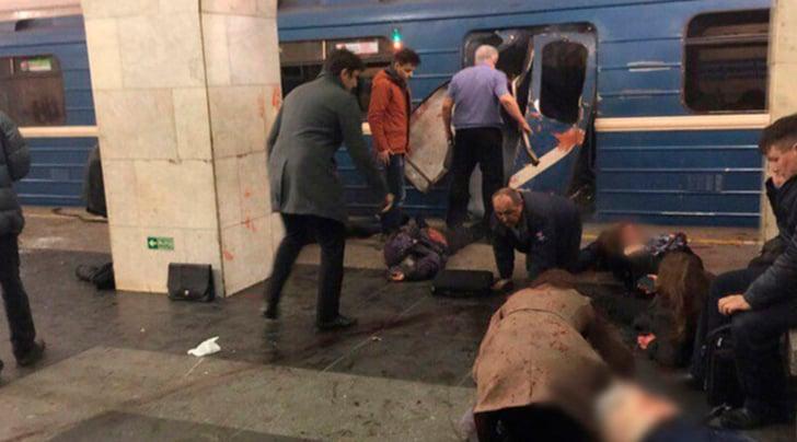 San Pietroburgo, esplosione nella metropolitana: vittime