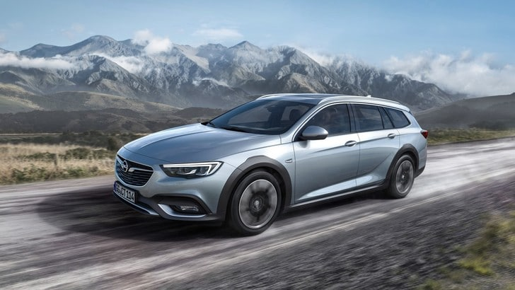 Opel Insignia Country Tourer, l'ammiraglia punta all'off road