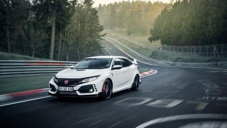 """Honda Civic Type-R, al """"Ring"""" è la trazione anteriore più veloce"""
