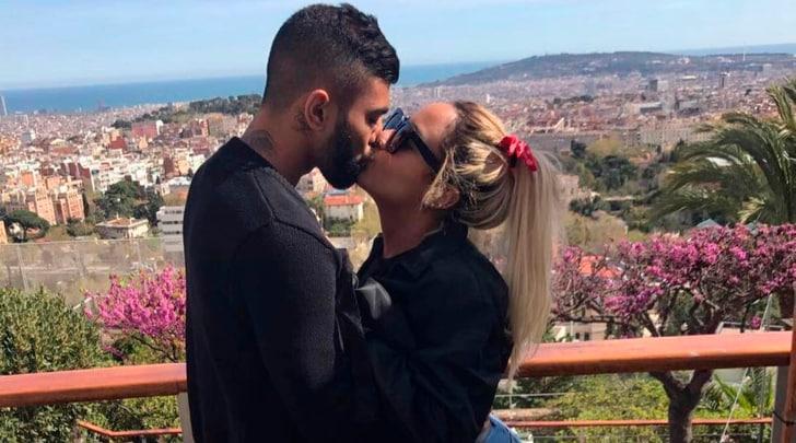 Gabigol, bacio appassionato con la sorella di Neymar