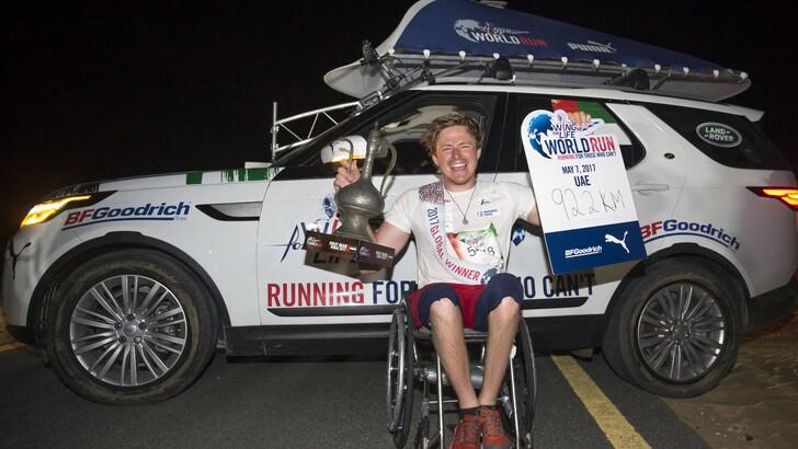 Aron Anderson con 92,14km in sedia a rotelle vince la Wings For Life