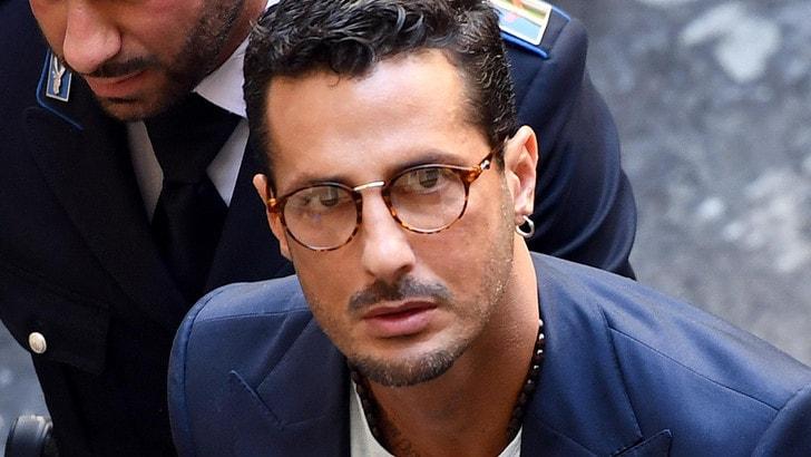 Il consulente: Fabrizio Corona incassava 130mila euro in nero al mese